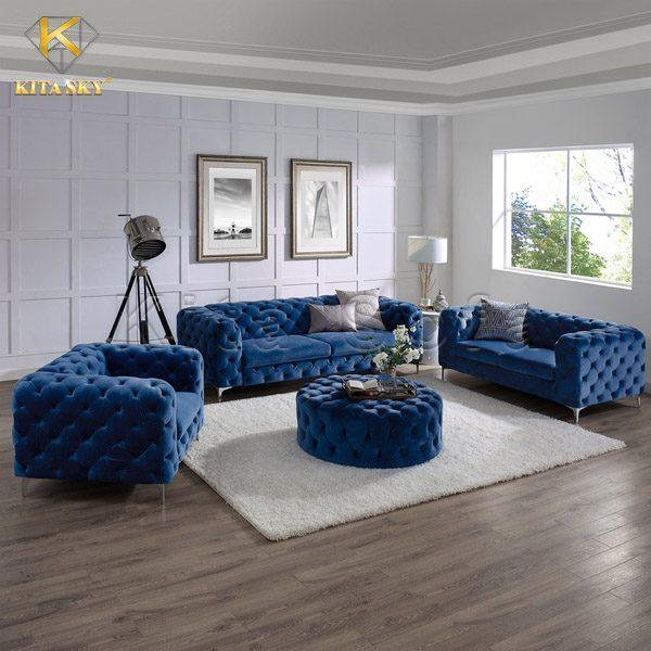 Bộ ghế sofa phòng khách đẹp với gam màu xanh coban đậm chất hoàn tộc. Không nhất thiết phải sử dụng các mẫu ghế với thiết kế cầu kỳ để làm nổi bật gian phòng. Bạn chỉ cần phối nó với những gam màu hoàng gia khó phối như xanh coban, vàng, ánh bạc, đỏ rượu vang... cũng có thể giúp phòng ốc thêm phần luxury.