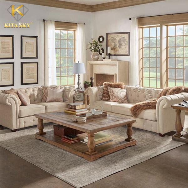 Mẫu sofa phòng khách sang trọng đẹp và chất lượng. Tận dụng tối đa gam màu sáng và độ sáng của màu gỗ để giúp không gian ấm cúng, gọn gàng. Đó không chỉ là sàn gỗ, cửa sổ khung gỗ mà còn có chiếc bàn gỗ cùng những chiếc gối ôm màu nâu gỗ tinh tế.