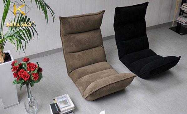 Phòng khách không dùng sofa nhưng vẫn thoải mái khi sử dụng ghế bệt