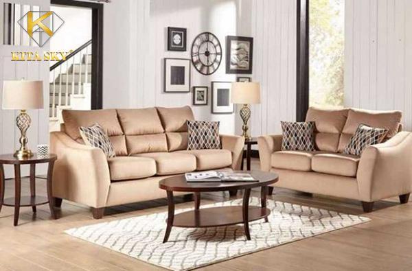 Những cách bày biện và trang trí sofa phòng khách sao cho phù hợp với phong thủy và nhiều kiểu nhà ngày nay.