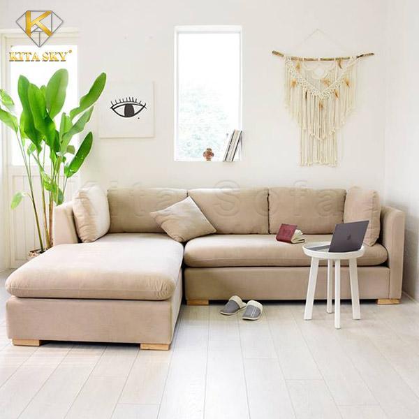 Sofa góc chung cư Tillian thanh lịch, ấn tượng với gam màu kem sang trọng, quyền quý.
