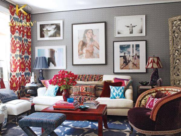 Ghế sofa màu trắng đơn giản, bọc vải giá rẻ và êm mềm, thấm hút tốt giúp sử dụng sofa thoải mái hơn. Có thể kết hợp với nội thất hoa văn rực rỡ để căn phòng thu hút và cá tính hơn.