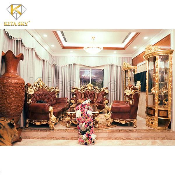 Sofa Dát Vàng Tân Cổ Điển Ruby được bọc da bò thật và dát vàng đẳng cấp cho không gian sống xa hoa