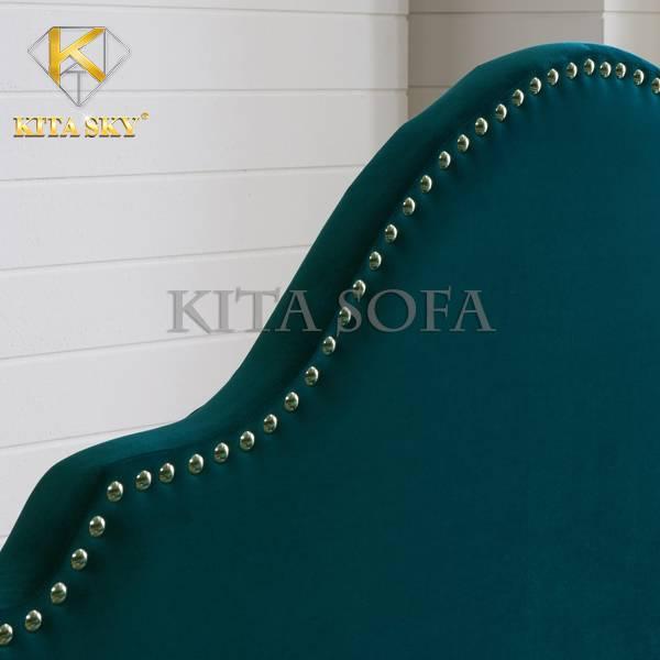 Mẫu nệm gắn đầu giường cao cấp thiết kế rời thích hợp với mọi không gian. Đường nét uốn lượn tinh tế phối cùng đinh tán lạ mắt