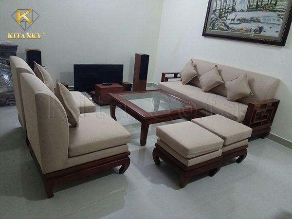 Nội thất Kita có hàng ngàn mẫu chất liệu để khách hàng lựa chọn khi bọc mới lại ghế sofa.