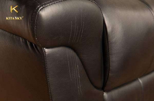 Cách chữa sofa da bị trầy xước