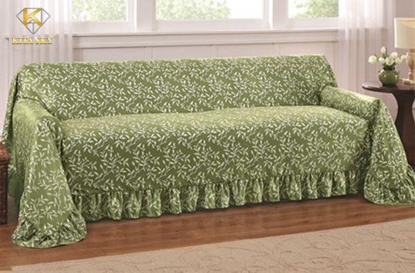 Cách may áo ghế sofa bằng vải mỏng khá đơn giản với thợ may quần áo.