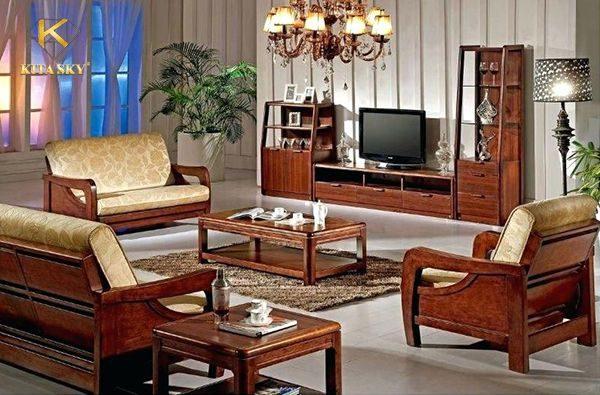 Bọc đệm ghế gỗ không chỉ khiến bộ ghế thêm đẹp và thu hút hơn. Mà việc vệ sinh cũng cực kỳ đơn giản