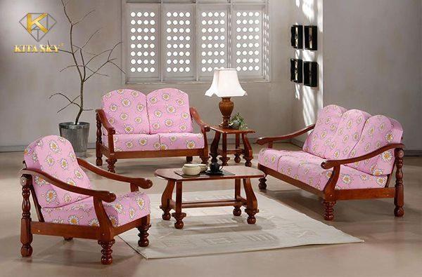 Bọc đệm sofa gỗ tại Kita có rất nhiều chất liệu, hoa văn, tông màu để bạn có những chọn lựa phù hợp nhất cho không gian và sở thích của bạn.