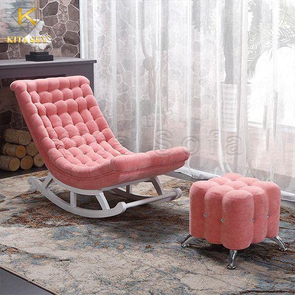 Ghế thư giãn lắc lư với gam màu hồng cực ngọt